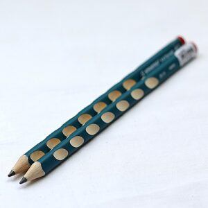 """Ołówek do nauki pisania STABILO """"R"""" - dla praworęcznych"""